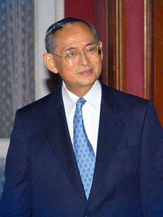 เรื่องของพระมหากรุณาธิคุณ..กับ..ถวายงานครั้งแรก   We Love Thai King