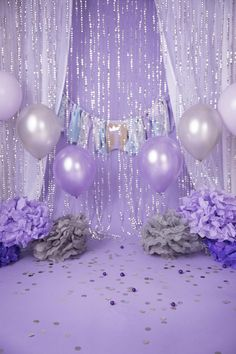 Sweet 16 Party Decorations, Sweet 16 Themes, Quince Decorations, Purple Birthday Decorations, Party Decoration Ideas, Glitter Party Decorations, Balloon Decorations, Quinceanera Decorations, Quinceanera Party