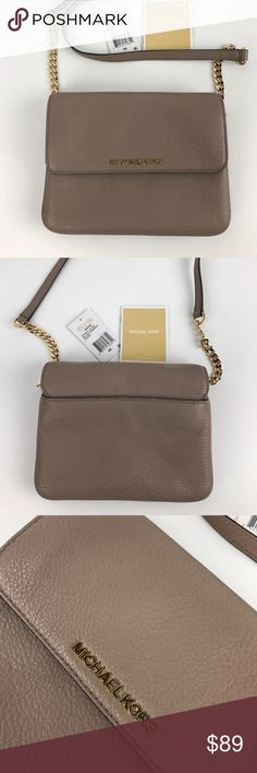 """Michael Kors Bedford Double Gusset Crossbody Authentic. New, with Tag. One small mark on outer flap. See photos.  Reach for Michael Kors' sleek-lined, flap front leather crossbody with gleaming hardware for easy weekend polish. Adjustable crossbody strap. Magnetic closure; lined. Three interior slip pockets, interior zip pocket. 8.5""""W x 0.79""""D x 5.8""""H; 23"""" to 26"""" strap drop. Style 32T5GBFC7L. RB601.  Thank you for your interest!   PLEASE - NO TRADES / NO LOW BALL OFFERS / NO OFFERS IN…"""