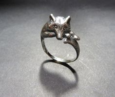 Wolf Ring in Sterling Silver - Handmade Sculpted Animal Jewelry - Spirit Animal Totem Ring Silver Jewelry Box, Cute Jewelry, Sterling Silver Jewelry, Jewelry Rings, Jewelery, Silver Rings, Diamond Jewelry, Wolf Jewelry, Animal Jewelry