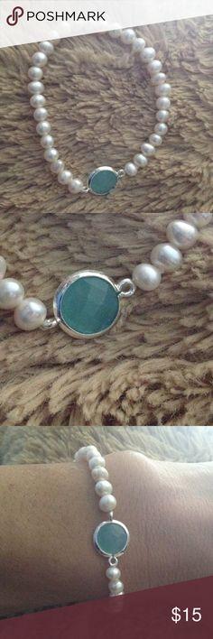 Freshwater pearl bracelet Freshwater pearl with quartz & Silver plated  bracelet, pearl size 5mm. Brand new. Jewelry Bracelets