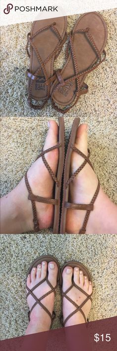 Billabong Sandals, size 8 Only worn a few times, in really good condition Billabong Shoes Sandals