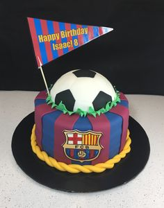 Discover recipes, home ideas, style inspiration and other ideas to try. Messi Birthday, Soccer Birthday Cakes, Football Birthday, Bolo Do Barcelona, Barcelona Soccer Party, Barcelona Team, Soccer Ball Cake, Soccer Decor, Chocolate Chip Cheesecake Bars