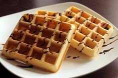 Belgian waffles Ingredients: Flour - 215 g Corn (potato) starch - 70 g Vegetable oil - 6 tablespoons Baking powder - 2 tsp Kefir - 375 Good Food, Yummy Food, Belgian Waffles, Waffle Iron, Food Crafts, Nutella, Deserts, Dessert Recipes, Cookies
