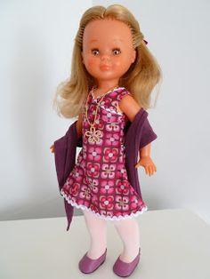 Como podeis ver, esta duelce ochentera de ojos marones, pecosa y pelo rubio cerveza, luce un traje muy setentero que puso a la venta dolls ...