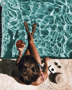 Daily grind ☕ 🇫 🇷 life is a beach summer photography, summer Pool Poses, Beach Poses, Summer Pictures, Beach Pictures, Vsco Pictures, Polaroid Pictures, Vacation Pictures, Profile Pictures, Friend Pictures