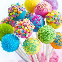 For a darling personal-sized dessert, try tasty cake or pie pops. We love how versatile they are! It's easy to make various flavors in one batch to suit both fruit and chocolate lovers. Plus, this mess-free treat tops off a fancy meal just as easily as a birthday bash. This tempting collection has everything you need to craft these pretty pops, so go ahead and get your bake on.