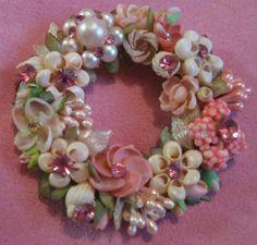Vintage Seashell Wreath Brooch / Pin. Image source: www.ebay.com