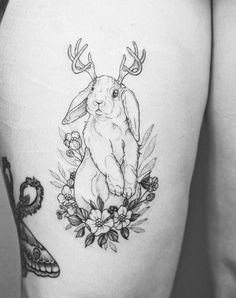 little jackalope by Phoebe Hunter… Witch Tattoo, Deer Tattoo, 1 Tattoo, Piercing Tattoo, Body Art Tattoos, Antler Tattoos, Bunny Tattoos, Rabbit Tattoos, Animal Tattoos