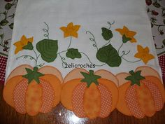 Tips for Those Beginning to Crochet Applique Towels, Applique Patterns, Applique Quilts, Embroidery Applique, Quilt Patterns, Best Embroidery Machine, Halloween Quilts, Patch Aplique, Fall Quilts