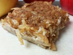 Roh-veganer Apfelkuchen! Schmeckt unglaublich lecker und intensiv. Ich wette, so einen guten rohen Kuchen habt Ihr noch nie gegessen