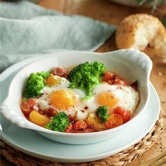Huevos al plato con brocoli y beicon Paleo Recipes, Real Food Recipes, Breakfast Recipes, Dinner Recipes, Paleo Meal Prep, Meal Prep For Beginners, Good Food, Food And Drink, Lunch