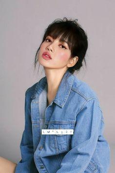 Kim Jennie, Asian Girl, Korean Girl, Lisa Blackpink Wallpaper, Rapper, Kim Jisoo, Black Pink Kpop, Blackpink Photos, Blackpink Fashion