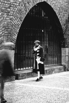 Halloo Black White Photos, Black And White, Free Black, Public Domain, Louvre, Street, Travel, Viajes, Black N White