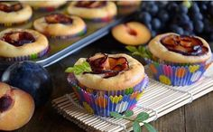 Muffins with plums