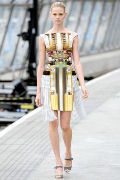 Mary Katrantzou Spring 2011 Ready-to-Wear Fashion Show - Antonella Graef
