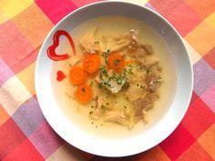 Slepačia polievka s rezancami a zeleninou ..... www.inmedio.sk ...... #polievka #soup #slepacia #zelenina #jedlo #dobrejedlo #goodfood #slepaciapolievka #chicken #chickensoup