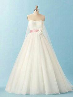 Alfred Angelo Disney Bridal - Snow White 2013