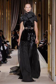 Giambattista-valli-null-haute-couture-sprg-2012-pfw55