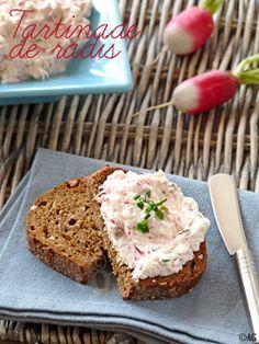 Facile et bon! Tartinade radis/fêta, pour un apéro sympa sur pain sans gluten bien sur...