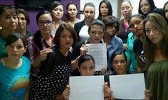 Renuncian todos los empleados de una linea aérea venezoalna  http://www.facebook.com/pages/p/584631925064466