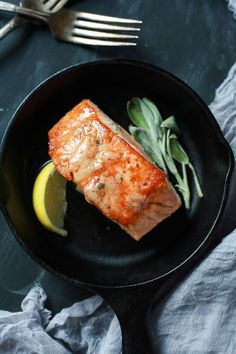 Perfectly Pan Seared Salmon topped with a nutty Brown Butter Sauce with subtle hints of fresh sage and nutmeg for one to die for bite. This Salmon recipe screams fall, takes less than 30 minutes, and is 300 calories! | #glutenfree #paleo: