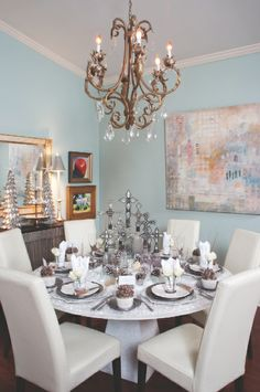 Homes for the Holidays: Designer Erik Kegler opted for rock crystal and vintage snow, instead of tablecloths and placemats. Photo by Greg Campbell for Mississippi Magazine.
