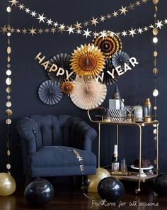New year's eve decor collection. new year's eve decor collection diy new years party decorations, birthday decorations, casino party New Year's Eve 2020, New Year 2020, Diy New Years Party, Happy New Year Banner, New Years Eve Decorations, Hallway Decorations, Casino Decorations, Birthday Decorations, Ideias Diy
