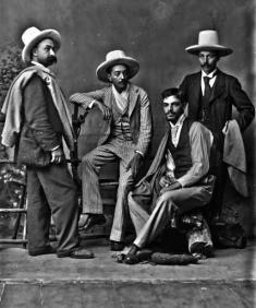 """El escritor Francisco """"Efe Gómez"""" Escobar. Fotografía de Melitón Rodríguez, 1896. Colección Archivo Fotográfico, Biblioteca Pública Piloto, Medellín."""