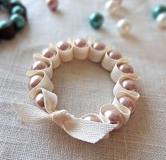 Make #DIY Ribbon & Pearl #bracelets with Twinkle and Twine, featured @savedbyloves You can add a ribbion to hang on tree!