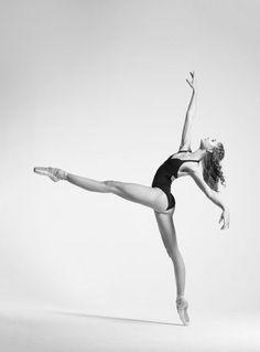 https://www.facebook.com/Theatre.New.Georgian.Ballet.of.Tamaz.Vashakidze/photos/a.357705212707.155959.294483422707/10156360311787708/?type=3&theater