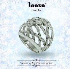 It's your time to shine. // É o teu momento para brilhar. // Es tu tiempo para brillhar. #looxe #looxejewelry #jewelry #campanhadenatal #prendas #prendasdenatal #prendasparaela #coleçãodenatal #campanha #ouro #looxe #looxejewelry #jewelry #christmascampaign #gifts #christmasgifts #giftsforshe #christmascollection #campaign #gold #looxe #looxejewelry #jewelry #campañadenavidad #regalos #regalosdenavidad #regalosparaella #coleccióndenavidad #campaña #oro JOANL4134B