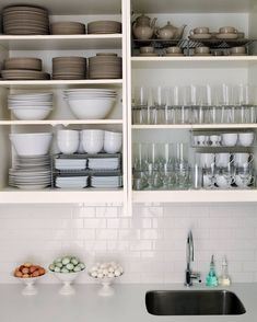 Cool 48 Best Ideas How To Organized Kitchen Storage. More at https://trendhomy.com/2018/07/15/48-best-ideas-how-to-organized-kitchen-storage/