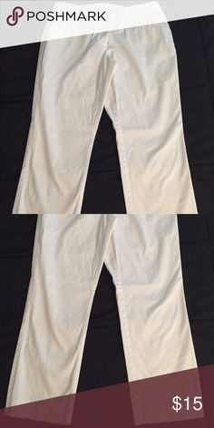 New York & company white Cropped pants. New York & company white Cropped pants. Great condition. Only wore them once. New York & Company Pants Ankle & Cropped