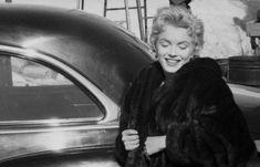 "1956 / by Milton GREENE... Marilyn lors du tournage de ""Bus stop""."