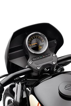 Allows you to monitor engine speed, fuel level and gear position, without adding additional handlebar-mounted gauges. | Harley-Davidson Combination Digital Speedometer/Analog Tachometer