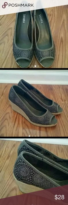 """Pretty gray  wedges  shoes 3"""" heels. In great condition. . Discount on bundles Sahara  Shoes Wedges"""