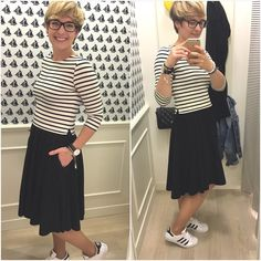 Snad jsem se neunahlila  zitra vyhlasovani MAMAblog roku 2016 s namornickym dresscodem ⚓️⚓️⚓️ dekuji za peci @linda_sobol v #petitbateau #sailor #hellosailor #summer #anchor #stripes #outfitoftheday #ootd #fashion #sailorstyle #namornice #namornik