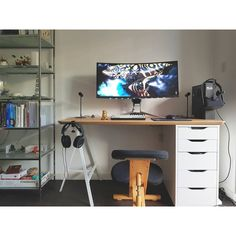 """876 Likes, 3 Comments - Mal - PC Builds and Setups (@pcgaminghub) on Instagram: """"A dope ultrawide setup. I hope my setup looks as clean as this once I've finished moving it! By:…"""""""