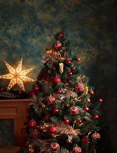 a5b420741c1 Interior Christmas Tree With Red Yellow Decorations Photography Backdrop  J-0144