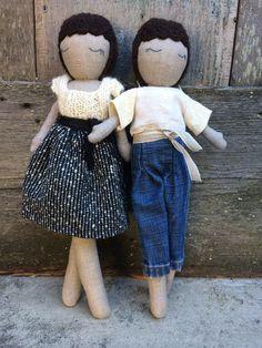 Kathryn Davey – Hancrafted natural fiber dolls made from 100% linen, mohair & wool.