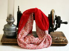 http://www.alittlemarket.com/echarpe-foulard-cravate/fr_snood_souple_double_valentine_cherie_par_violette_et_grenadine_-17308316.html