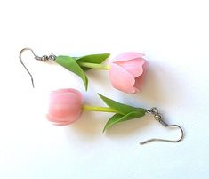 Tulips earrings Floral earrings Pink flowers jewelry Gift for women Clay flowers earrings Polymer clay Cold porcelain Ready to ship - magic craft - Polymer Clay Flowers, Polymer Clay Charms, Polymer Clay Earrings, Magic Crafts, Jewelry Gifts, Jewelry Bracelets, Jewelry Ideas, Fine Jewelry, Biscuit