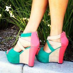 Asombrosas sandalias con plataforma de mujer