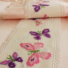 1 million+ Stunning Free Images to Use Anywhere Embroidery Patterns, Hand Embroidery, Cross Stitch Patterns, Baby Sheets, Sewing Blouses, Free To Use Images, Cross Stitch Baby, Home Decor Furniture, Le Point