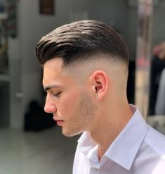Coolest and trendy haircuts for men to create right now. Here we collected amazing styles of undercut short hairstyles for men to create in Trendy Mens Haircuts, Best Short Haircuts, Popular Haircuts, Cool Haircuts, Smart Hairstyles, Cool Hairstyles For Men, Men's Hairstyles, Glamorous Hairstyles, Braided Hairstyles