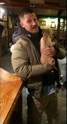 tom hardy with dogs (@tomwithdogs) | Twitter