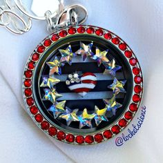 I LOVE this locket for July! Perfect to wear while celebrating of July! Origami Owl's legacy living locket with a large crystal window frame, large limited edition navy striped plate, and American Flag heart charm. Simple but elegant! Origami Owl Keychain, Origami Owl Lockets, Origami Owl Jewelry, Origami Heart With Wings, Origami Owl Business, Origami Mobile, Origami Wedding, Locket Charms, Owl Charms