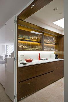 Butler's pantry design idea. Design by Minosa (minosadesign.com).