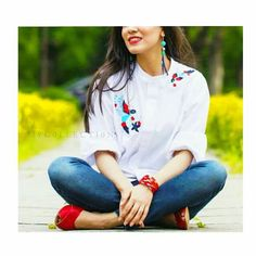Cute Girl Pic, Cute Girls, Cool Dpz, Casual Work Attire, Stylish Dp, Girls Dpz, Jean Outfits, Lifestyle Photography, Handsome